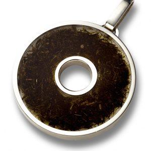 Ciondolo grande in argento, resina e sterco di cavallo