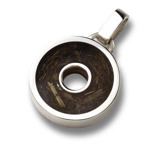 Ciondolo piccolo in argento, resina e sterco di cavallo